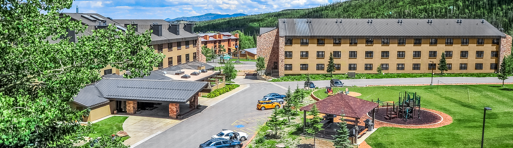 Exterior view of Cedar Breaks Lodge & Spa in Brian Head, Utah